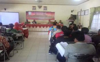 Sosialisasi Perda tentang Pilkades dan Produk Hukum Desa di aula Kecamatan MB Ketapang, Kabupaten Kotawaringin Timur, Jumat (12/5/2017).