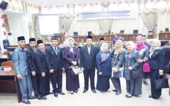 Anggota Badan anggaran DPRD Barito Utara foto bersama