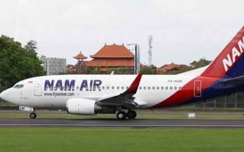Pesawat NAM Air 737-500. Pesawat ini mulai 16 Juni 2017 akan melayani rute Pangkalan Bun-Jakarta dan Semarang.