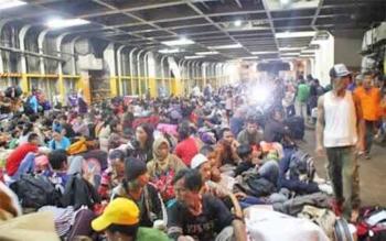 Ratusan pemudik memadati dek KM Pelni saat arus mudik lebaran tahun lalu di pelabuhan Panglima Utar Kumai