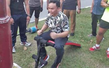 Gubernur Kalteng Sugianto Sabran menjajal fasilitas olahraga ini saat joging di Jalan Katamso, Palangka Raya, Selasa (16/5/2017) sore.