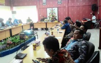Rombongan DPRD Bogor diterima di ruang rapat komisi DPRD Kota Palangka Raya, Rabu (17/5/2017)