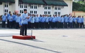 Upacara gabungan Organisasi Perangkat Daerah (OPD) di lingkungan Pemerintah Kabupaten Pulang Pisau, Rabu (17/5/2017).