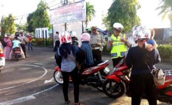 Anggota Satlantas Polres Barito Selatan menggelar Operasi Patuh Telabang di Polres lama, Kamis (18/52017) sore.