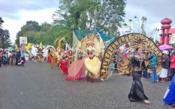 Penampilan Kabupaten Kotim dalam Karnaval Budaya Kalteng