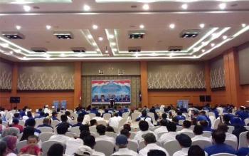 Ketua DPW PAN Provinsi Kalteng H Darwan Ali saat memberikan paparannya seusai pelantikan 17 DPC di Kecamatan di Kotim.\\r\\n