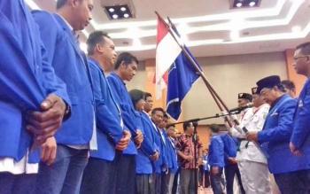 Ketua DPW PAN Kalteng H Darwan Ali melantik pengurus 17 DPC di Kotim