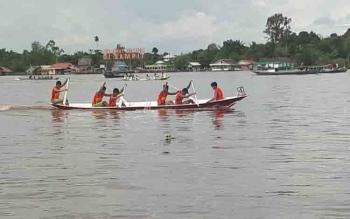 Lomba Dayung FBIM di Sungai Mentaya Sampit.