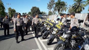 Kapolres Barsel AKBP Yussak Angga melakukan pengecekan kendaraan roda dua dan empat