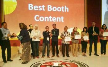 Ophir Energy Indonesia meraih penghargaan untuk dua ketegori pada even Indonesian Pertolium Assosiation di Convention and Exibition ke-41 yang digelar di Jakarta Convention Center, 17-19 Mei 2017.
