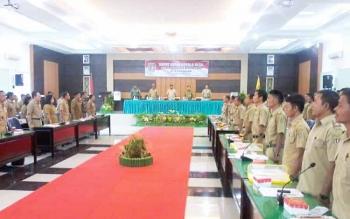 Sebanyak 154 kepala desa mengikuti rapat kerja kepala desa se Katingan yang dibuka Bupati Ahmad Yantenglie di Aula Bapelitbang, Senin (22/5/2017).