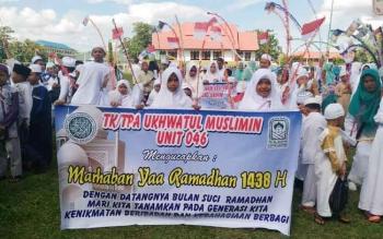 TPA Ukhwatul Muslimin Unit 046, salah satu kelompok yang mengikuti Pawai Tahrib yang digelar Pemko untuk menyambut Ramadhan, Senin (22/5/2017) siang.