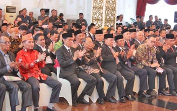 Pelantikan Nurani dan Erat di Istana ISen Mulang oleh Gubernur Kalteng bertabur tokoh, Senin (22/5/2017)