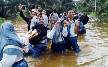 Banjir yang melanda Kecamatan Antang Kalang.