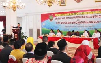 Gubernur Kalteng Sugianto Sabran saat acara pelantikan bupati, Senin (23/5/2017)