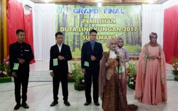 Peserta duta lingkungan saat mengikuti proses seleksi pemilihan duta lingkungan Sukamara tahun 2017.