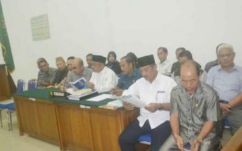 Suasana sidang kedua gugatan Bupati Katingan Ahmad Yantenglie di PN Kasongan, Selasa (23/5/2017).