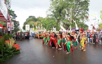 Karnaval Budaya pada FBIM 2017 yang digelardi Kota Sampit baru-baru ini.