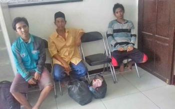 Mahmudin, Amat dan Udin tersangka kasus pengancaman.