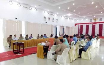 Rapat pengadaan tanah untuk kepentingan umum saat digelar di aula kantor bupati Sukamara.