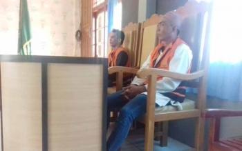 Wira dan Inggi terdakwa kasus penganiayaan.