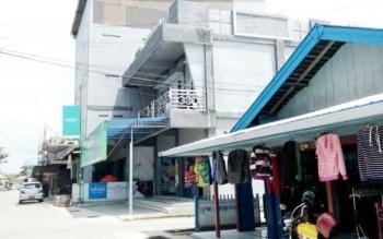 Tampak salahsatu bangunan walet di kota Nanga Bulik.