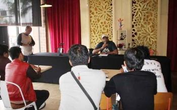 General Manajer Kalawa Water Park, Jaya menjelaskan kronologi kejadian kepada wartawan.