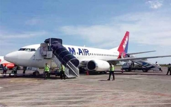 Maskapai Nam Air.