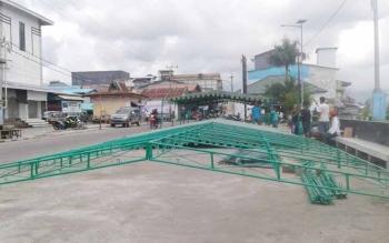 Pasar Ramadahan Sukamara yang ditempatkan di pelabuhan speedboat sudah mulai dibangun.