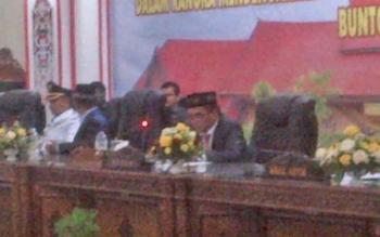 Ketua DPRD Barsel, Tamarzam memimpin sidang paripurna istimewa sertijab Pj Bupati kepada Bupati Definitif.