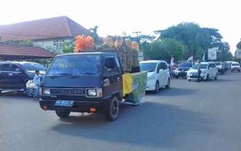 Peserta pawai taaruf menyongsong bulan Ramadan di Kota Sampit