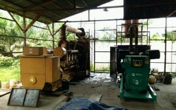 Mesin milik PLN Sukamara daya 2,4 MW yang akan direlokasi dari Pangkalan Banteng kelokasi PLN yang baru di Dusun Pudu Kuali Desa Kartamulia.
