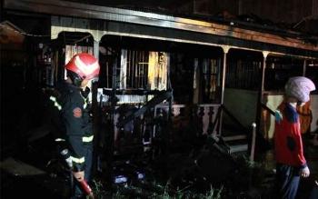 Seorang nenek berusia 84, Soffie Sera, nyaris saja dilalap api dalam musibah kebakaran di sebuah rumah, Jalan G Obos induk, Palangka Raya, Minggu (28/5/2017) sekitar pukul 21.30 WIB.