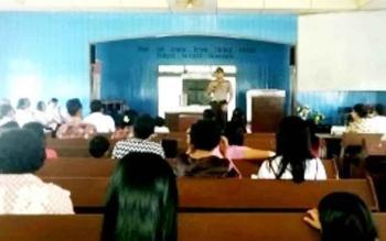Kapolsek Dusun Hilir, Iptu Ratno menyampaikan pesan kamtibmas di gereja