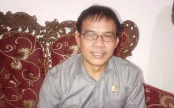 Hermanes, ketua Fraksi PDIP DPRD Barsel.