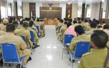 Rapat koordinasi (rakor) yang dihadiri oleh seluruh kecamatan dan desa di Aula Kantor Bupati Kobar, Selasa (30/5/2017).