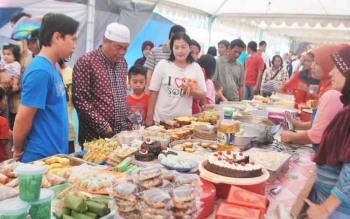 Warga antusias mendatangi pasar Ramadan di Kelurahan Jingah