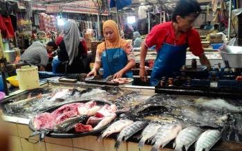 Pedagang ikan di Pasar Kahayan Palangka Raya, Rabu (31/5/2017)