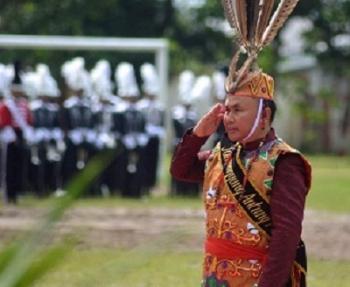 Gubernur Sugianto saat menjadi Irup pada upacara peringatan HUT ke-60 Kalteng di Sampit pekan lalu