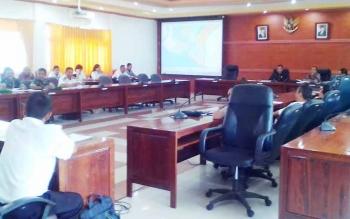 Komisi III DPRD Kapuas melakukkan RDP bersama Dinas PU di Aula DPRD Kabupaten Kapuas.