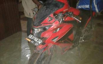 Barang bukti kecelakaan lalu lintas di Kecamatan Cempaga.