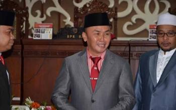 Gubernur usai menerima penghargaan WTP dari BPK RI tahun lalu di gedung DPRD Kalteng