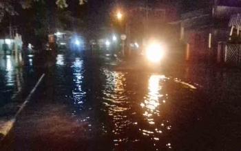 Banjir menggenangi Jalan Gatot Subroto, Sampit