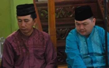 Bupati Barito Utara Nadalsyah bersama Ketua DPRD Set Enus Yenuas Mebas saat menghadiri Safari Ramadan di Kecamatan Lahei Barat pada tahun lalu.