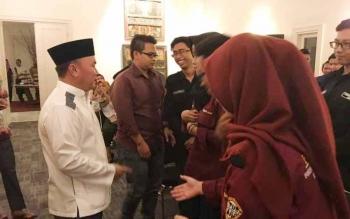 Gubernur Kalimantan Tengah, Sugianto Sabran di sela pertemuan silaturahim dengan mahasiswa asal Kalteng, di Malang, Jawa Timur, Minggu (4/6/2017).