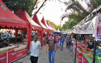 Pasar Wadai Ramadan di Taman Kota Sampit.