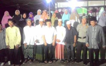 Bupati Kapuas Ben Brahim S Bahat didampingi Ketua DPRD Algrin Gasan, Ketua STAI Kuala Kapuas Dr H Nafiah Ibnor, Ketua MUI Kapuas KH Abdul Mutoliq, Ketua FKUB H Masyumi Rafai, Rabu (7/6/2017).