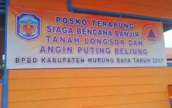 Salah satu posko BPBD Mura disalah satu rumah terapung di Sungai Barito.