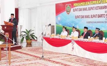 Gubernur Sugianto saat kali terakhir melakukan pelantikan pada 22 Mei 2017 terhadap dua Paslon Bupati terpilih. Jumat siang ini gubernur muda ini bakal kembali melantik pekjabat eselon II di lingkup Pemprov hasil lelang jabatan
