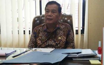 Sekda Barito Utara Jainal Abidin saat memberikan keterangan kepada Borneonews di ruangannya, Jumat (9/6/2017).
